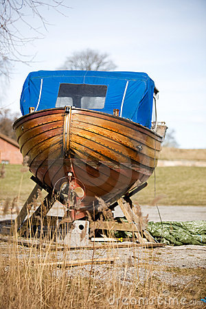 Free Wooden Boat Repair Royalty Free Stock Images - 3288509