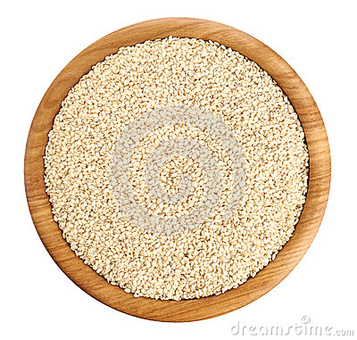 Free Wooden Bowl With Sesame Seeds Isolated On White Background. Stock Photography - 72336752