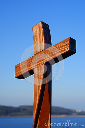 Free Wooden Cross In Blue Sky Stock Photo - 46655130