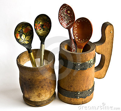 The wooden dishes