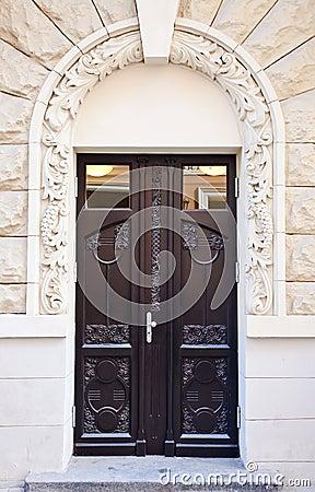 Free Wooden Door Stock Photo - 33918690