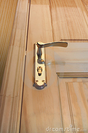 Free Wooden Door And Handle Stock Image - 37591