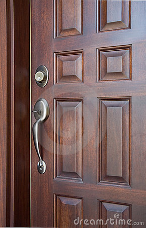Free Wooden Front Door Royalty Free Stock Photography - 5949917