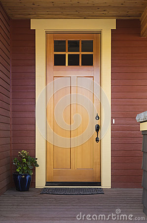 Free Wooden Front Door Of A Home Royalty Free Stock Photos - 27023878