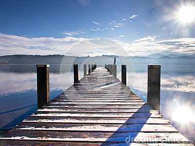 Wooden jetty 65)