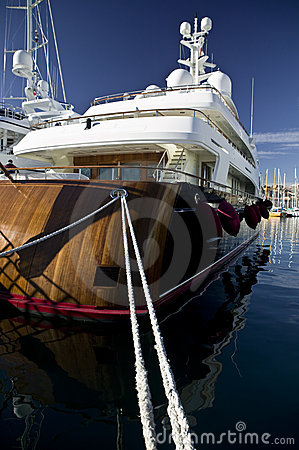 Free Wooden Luxury Yacht Stock Photography - 4030562