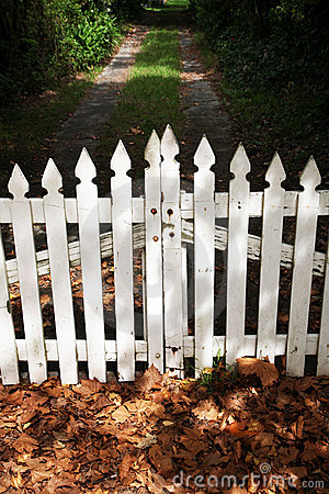 wooden how to install a wood picket fence gate pdf plans. Black Bedroom Furniture Sets. Home Design Ideas