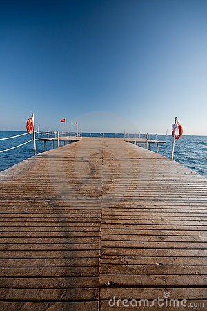 Free Wooden Pier Royalty Free Stock Photography - 15853537