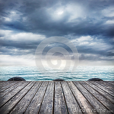 Free Wooden Pier At Overcast Sky Royalty Free Stock Photo - 43356275