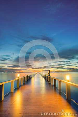 Free Wooden Pier Between Sunset In Phuket, Thailand Royalty Free Stock Photos - 61000018