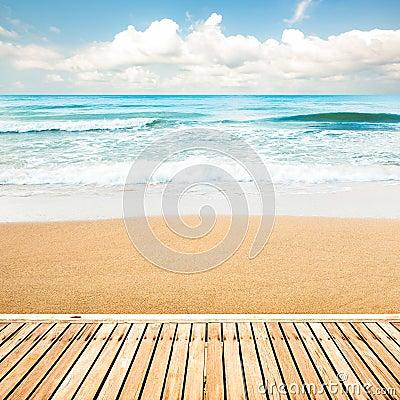 Free Wooden Walkway At Beach Royalty Free Stock Photos - 52476498
