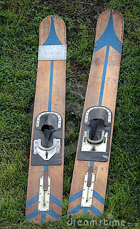 Wooden waterski pair