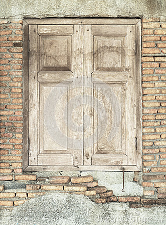 Free Wooden Windows On Brick Wall Stock Image - 24753071