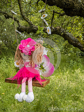 Free Woodland Fairy Doll Royalty Free Stock Images - 35383899