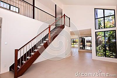 Woonkamer en trap royalty vrije stock afbeeldingen beeld Trap in woonkamer