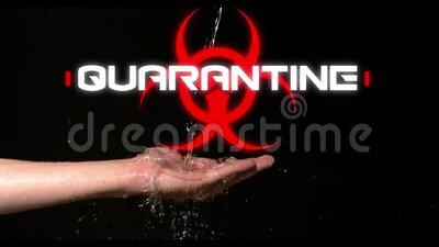 Word Quarantine escrito sobre sinal de perigo para a saúde e água fluindo na mão sobre fundo preto video estoque