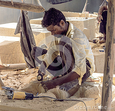Free Worker Crafting Statue Royalty Free Stock Photography - 99056067
