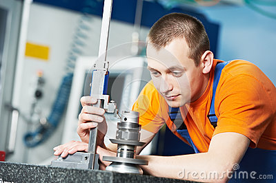 Worker measuring cutting tool