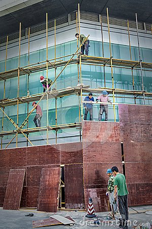 Free Workers On Construction Site Royalty Free Stock Photo - 122996355