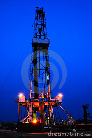Free Working Drilling Rig In Night Stock Photos - 4730133
