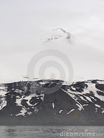 The world s northernmost active volcano Beerenberg