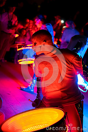 Free Worldbeaters Spark Drummers Stock Photo - 99135250