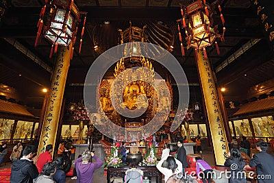 Worship at Longhua temple Editorial Image