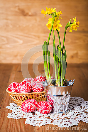 Written eggs and yellow daffodils