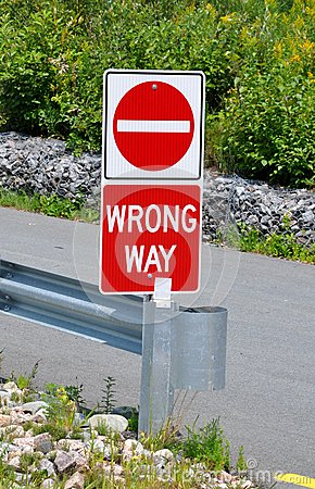 Free Wrong Way Sign Royalty Free Stock Image - 48947936