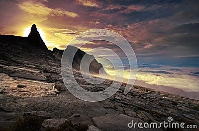 Wschód słońca szczytu