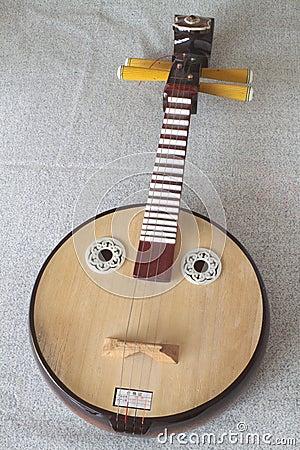 Xiaoruan, Plucked Instruments