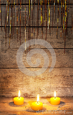 Free Xmas Background With Candles And Tinsel Stock Photo - 44137270