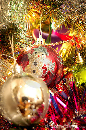 Xmas balls on tree