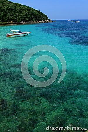 Yacht in the gulf