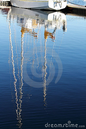 Yacht Mast Reflection Royalty Free Stock Image - Image: 22208606