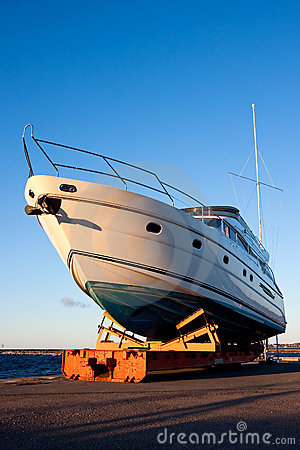 Free Yacht Out Of The Water Royalty Free Stock Photos - 8837168
