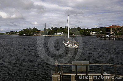 Yacht travels intracoastal waterway in Florida