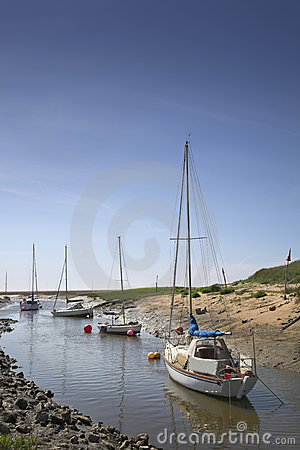 Free Yachts Moored In River Royalty Free Stock Photo - 5477175