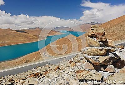Yamdrok sacred lake