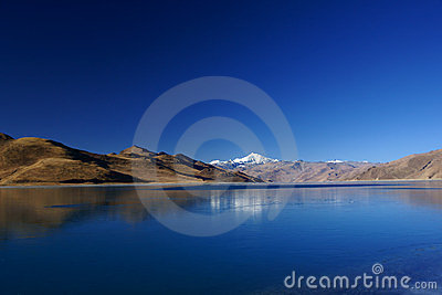 Yamdrok Yumts lake in tibet