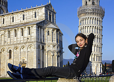 Yang girl recline on the tower of Pisa