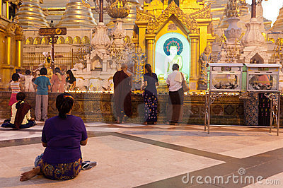 YANGON, MYANMAR - FEB 25: Shwedagon Festival Editorial Stock Image