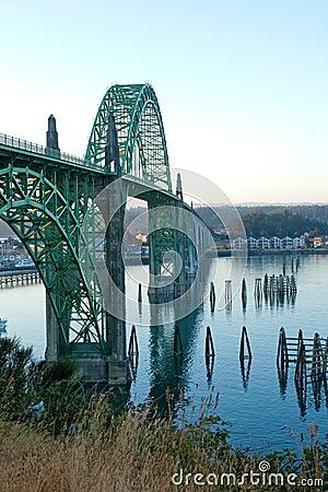 Yaquina海湾桥梁在纽波特,俄勒冈