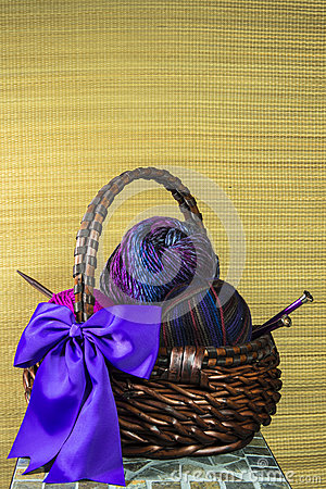 Free Yarn Basket With Purple Bow Royalty Free Stock Images - 29724839
