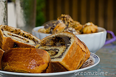 Yeast cake and cookies