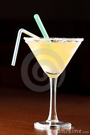 Yellow alcoholic cocktail
