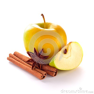 Free Yellow Apple With Spices Royalty Free Stock Image - 28567286