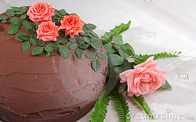 Yellow Cake with Chocolate Ganache and Roses