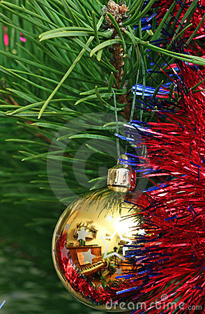 Yellow Cristmas Ball On The Cristmas Tree Stock Photos - Image: 22588393