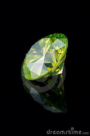 Yellow-Green fancy brilliant 1.5 ct